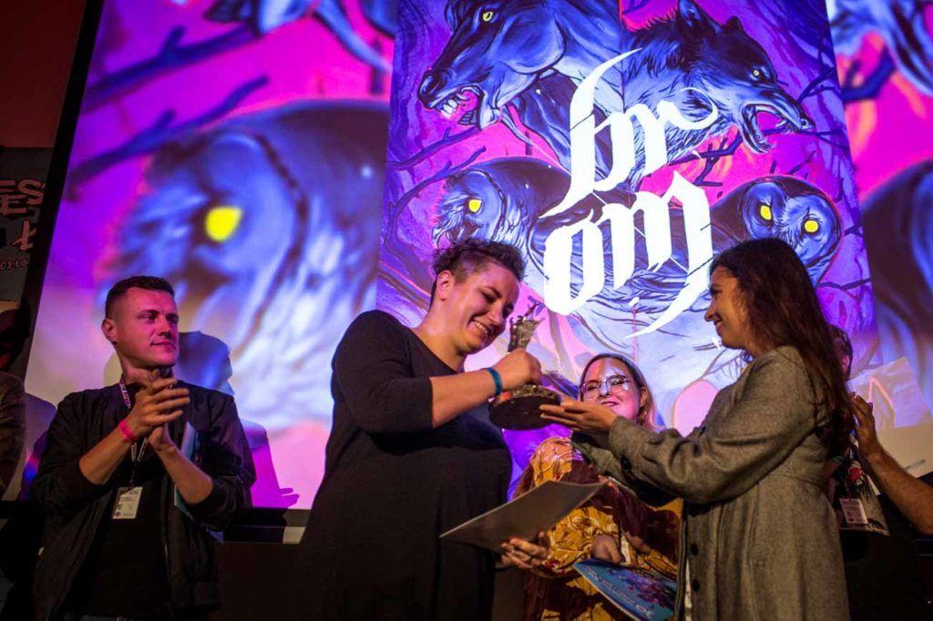 Unka Odya odbiera nagrodę za Najlepszy album komiksowy, fot. Dariusz Kulesza